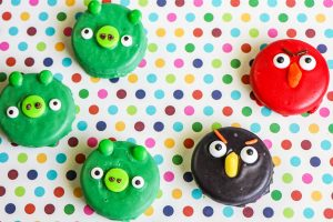 cookies decorated like Angry Birds