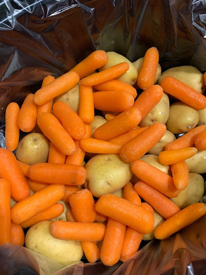 baby carrots and potatoes for slow cooker beef roast
